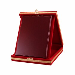 - Ahşaplı Plaket Kutusu 12x16 Kırmızı Dikey