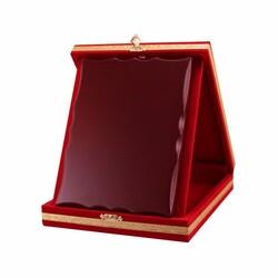 - Ahşaplı Plaket Kutusu 15x20 Kırmızı Dikey